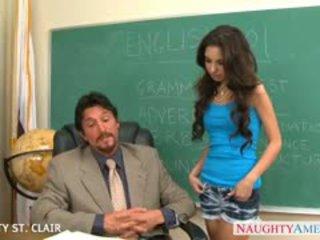 Slaidas skolniece trinity st clair veikt dzimumloceklis