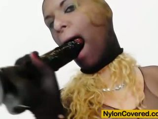 Plus negra nylon comes negra plástico pénis