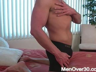 Clyve aus menover30