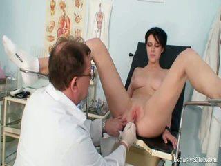Krūtainas goddess nelabs gyno ārsts eksāmens