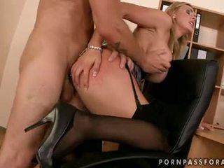 Bawdy сексуальна boobed tanya tate gets її рот jizzed просто подібно вона asked для