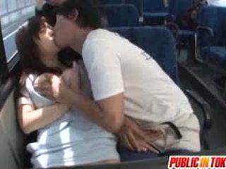 Yua kuramochi gjoksmadhe është fucked në the autobuz
