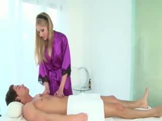 Heet masseuse sucks clients lul
