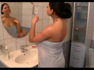 גדול ציצים ב the bath