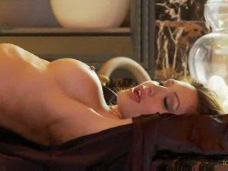 Angela taylor को पार्टी नग्न