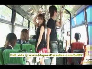 Mihiro 中国の モデル enjoys a クソ 上の ザ· バス