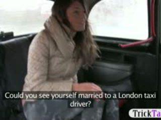 孩兒 從 latvia 尋找 為 一 丈夫 性交 由 cab driver