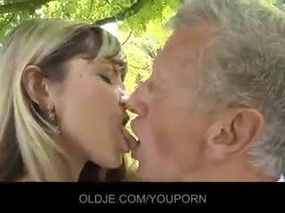 besos, semen en la boca, mamada