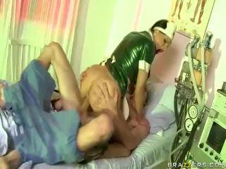 Vídeo de enfermeira has sexo com dude