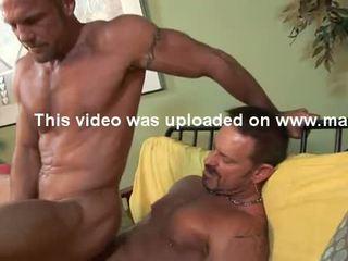 Str8 hung 6'7'' firefighter has gay sexo.
