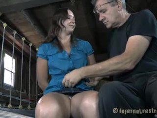 Geketend babe needs sexy marteling