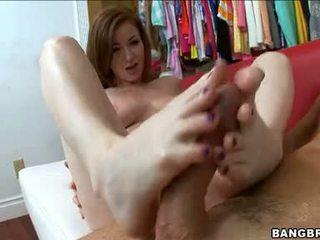 Sweetie nikki rhodes acquires เธอ เซ็กซี่ ขาว เท้า cummed หลังจาก a ดี เซ็กซี่ ใช้เท้า