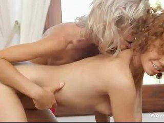 Stephanie en caprice intimate lesbo seks