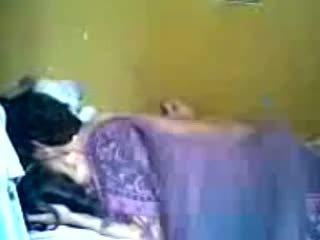 Warga indonesia romantic remaja pasangan membuat cinta dalam bilik tidur