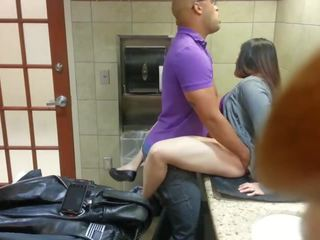 Mall kúpeľňa súložiť
