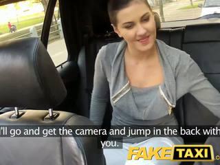 Faketaxi galinė sėdynė seksas apie viešumas roadside