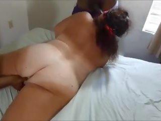 Overspel hoer blank vrouw zuigen two zwart men: hd porno 73