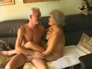 Unge og gammel - dansk retro, bezmaksas amatieri porno video 02