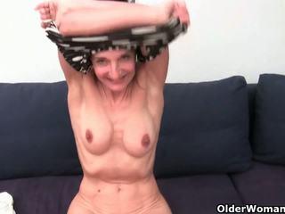 Баба с космати путка gets fingered