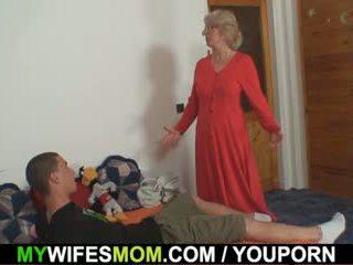 妻 finds 彼に クソ ママ で 法律 と gets insane