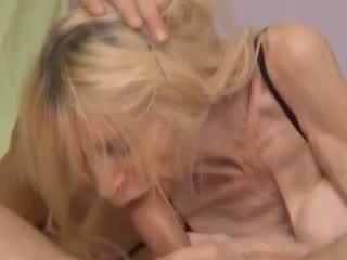 Wrinkly 和 枯瘦 奶奶 得到 性交