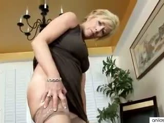 Real orgasmo para quente maduros mãe