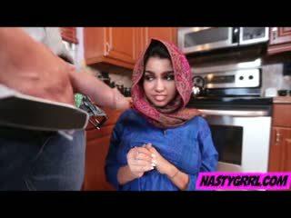Hijab wearing muslim jovem grávida ada creampied por dela novo mestre