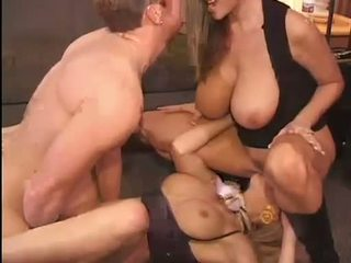Quente kelly madison e michelle b gets seu doce bichanos hammered difícil