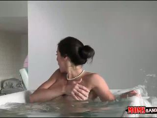 Giselle mari 和 kendra lust 角质 3way