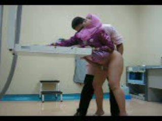 Arab miúda em rosa gets dela cona eaten fora em seguida fodido a partir de atrás vídeo