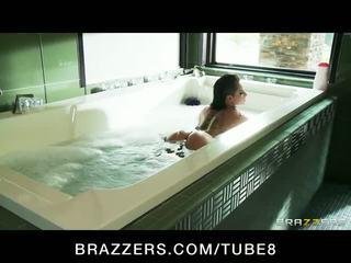 Bathing bigbooty brunette Christy Mack loves rough anal