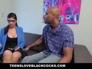 Mia Khalifa Fucks Big Black Cock