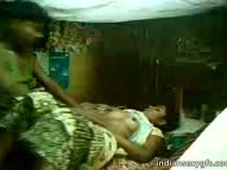 Desi sepupu sister naik di saudara di rumah alone - indiansexygfs.com