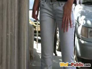Čurajošas nymph involving smut džinsi iekšā the iela par jums