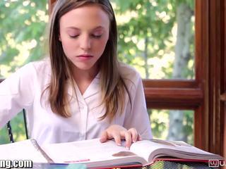 Leszbikus diáklány gets punci eaten tovább íróasztal