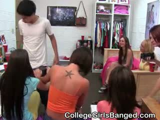 College Girls Host And Grade Blowjob Competition In Dorm