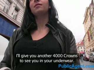 Publicagent hun er knullet fra bak i en offentlig stair vel - porno video 021