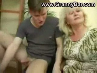 pussyfucking, babička, výstrek