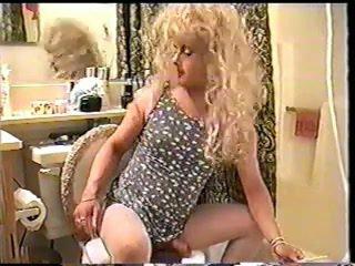 Curly cô gái tóc vàng cd dildoing của anh ấy pooper