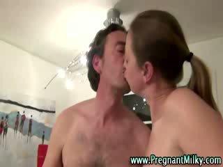 Zwanger fetisj teef shares bj