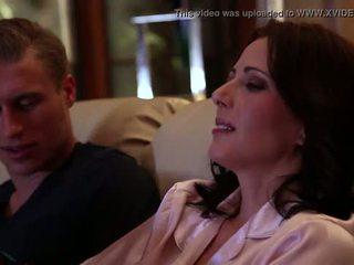 Jenna j ross gets fucked līdz viņai draudzene uz mājas coming, aina #02