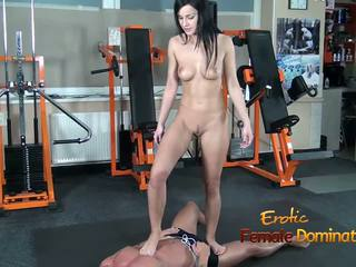 Abbie cat tramples sa alipin sa pantalong maong then hubo't hubad: hd pornograpya b8