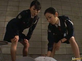 日本語 av 模型 在 該 void urine 行動