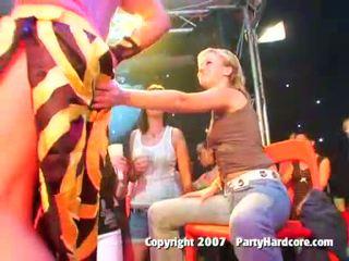 Opité klub násťročné holky v divé cfnm skupina sex akcie