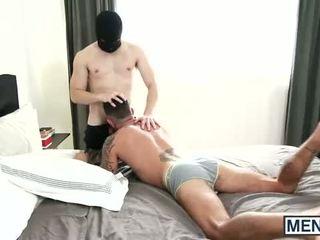 Johnny hazzard confronts ištvirkęs valia braun