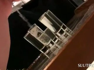 Slutty sex sclav filling five ochelari cu ei
