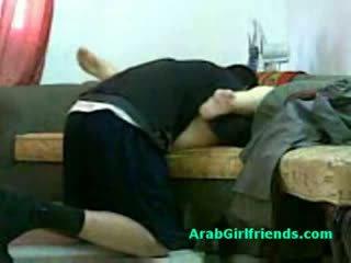 Muslim γυναίκα spread αυτήν πόδια και gets μουνί licked