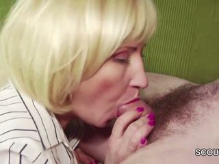 18yr γριά γερμανικό αγόρι αποπλάνηση step-mom masturbation και γαμώ
