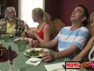 Aile dinner aile seks ile kristal summers