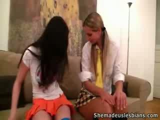 Rima og nora knulling i deres teacher's sted.